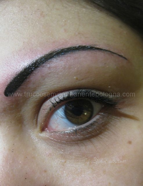 arcata sopracigliare  make up tattoo elisa